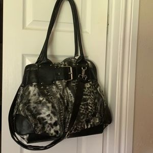 gray & black poofy cheetah w/black handles/strap